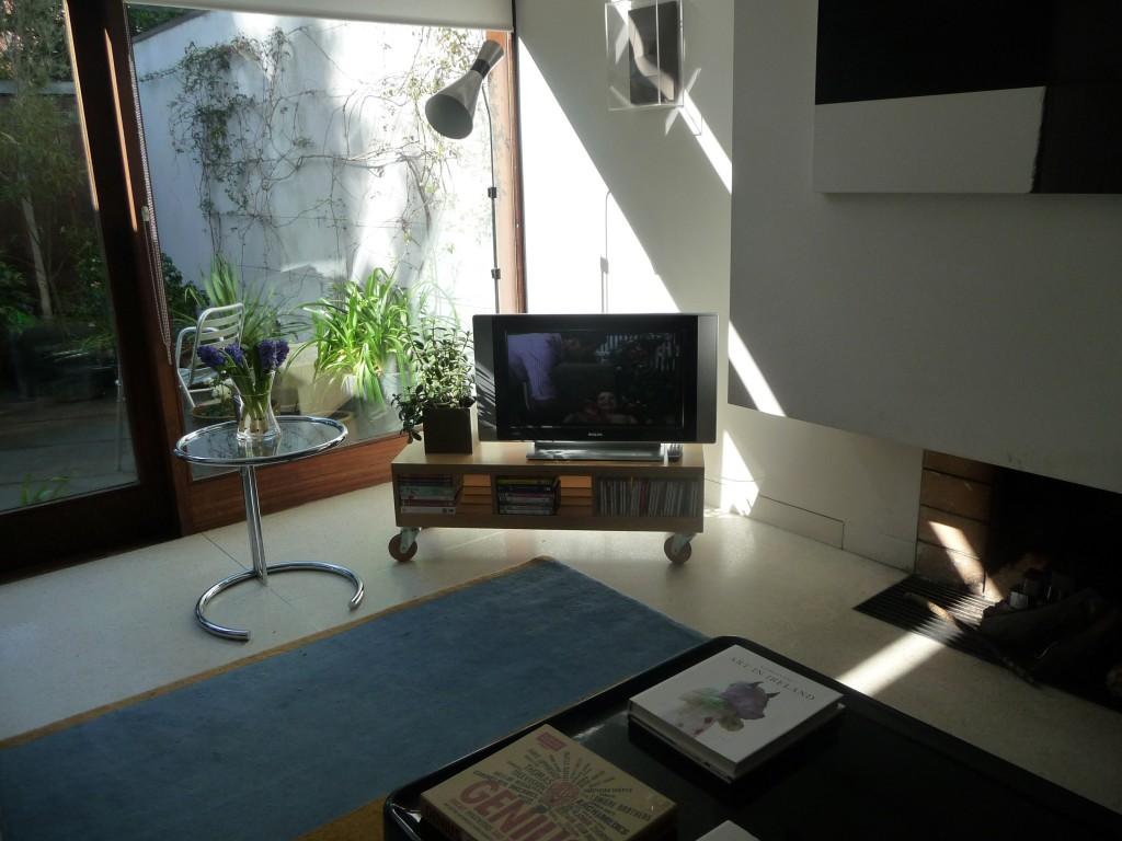 Flexible TV Unit